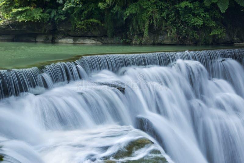 Cascada hermosa en Taiwán foto de archivo