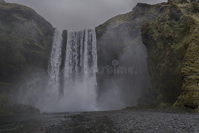Cascada Islandia de Skogafoss imagen de archivo libre de regalías