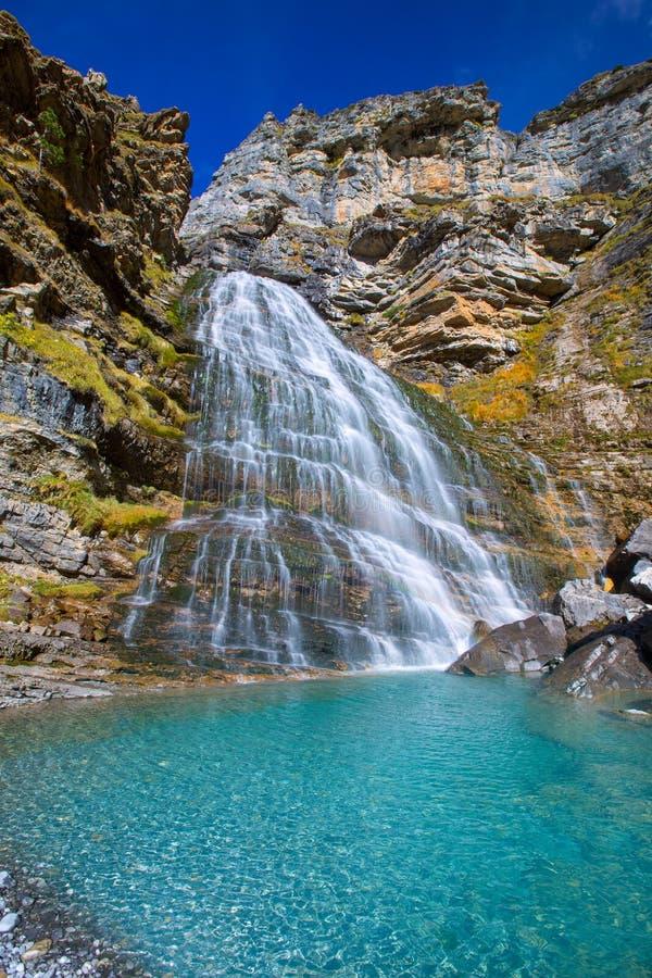 Cascada Kola De Caballo przy Ordesa Dolinni Pyrenees Hiszpania obraz royalty free