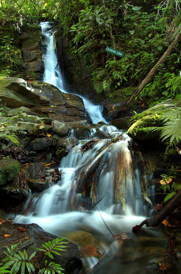 Cascada mágica del agua foto de archivo libre de regalías