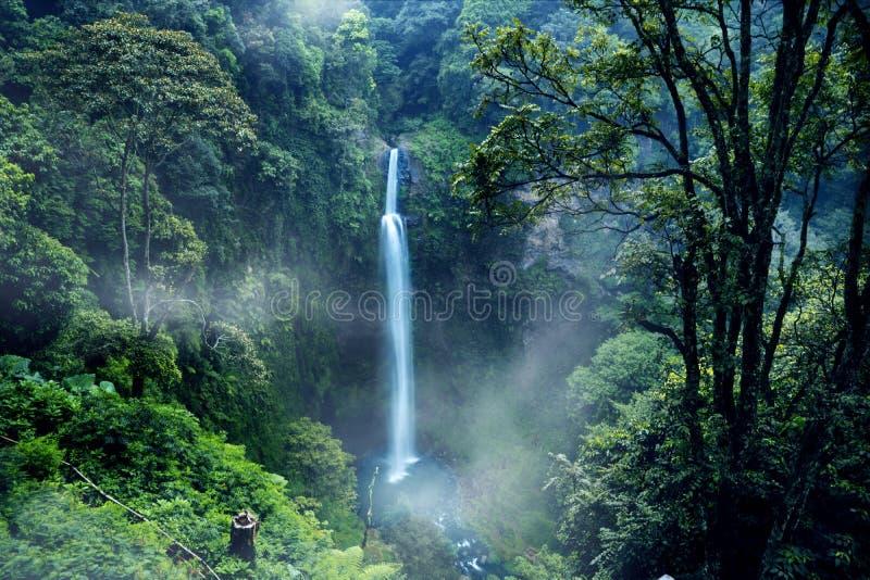 Cascada maravillosa de Pelangi en Bandung fotografía de archivo libre de regalías