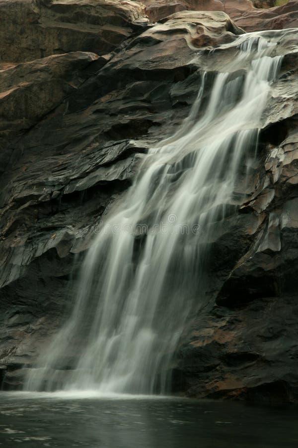 Cascada que fluye - Kakadu, Australia fotos de archivo libres de regalías