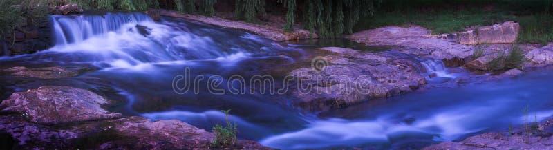 Cascada y rapids fotografía de archivo