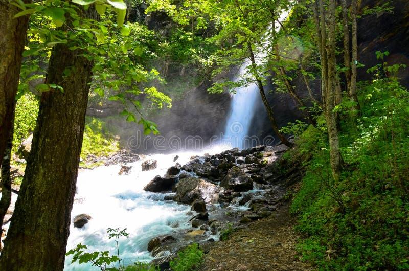 cascadas cerca de Vallouise en Francia imágenes de archivo libres de regalías