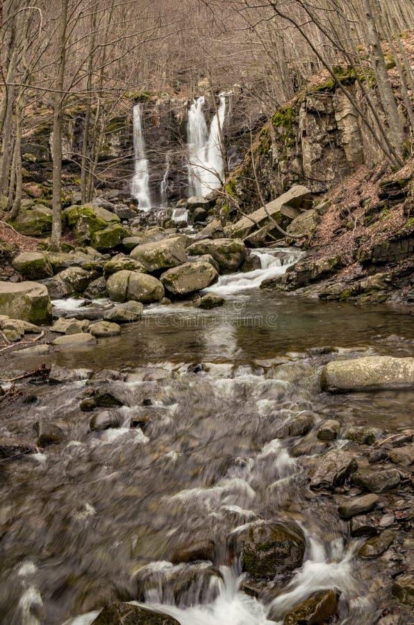 Cascadas de Dardagna en último invierno fotografía de archivo libre de regalías
