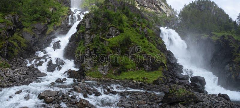 Cascadas de Latefossen en Noruega fotografía de archivo