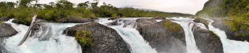 Cascadas de Petrohue en Chile, Patagonia imagen de archivo libre de regalías