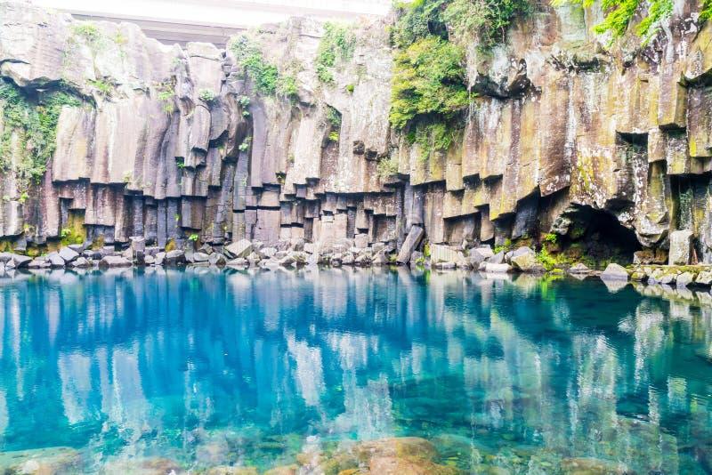 cascadas del cheonjeyeon en Jeju Isaland foto de archivo