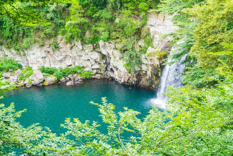 cascadas del cheonjeyeon en Jeju Isaland imagen de archivo libre de regalías