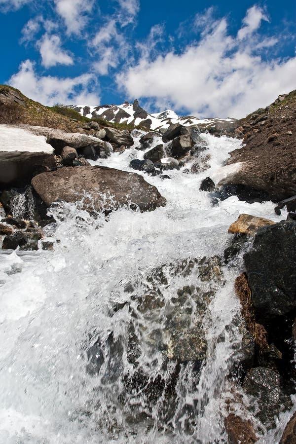 Cascadas en las montan@as de Alstria fotos de archivo