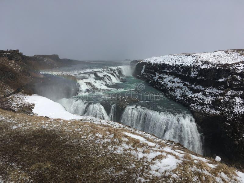 Cascade à écriture ligne par ligne de Gullfoss en Islande images stock