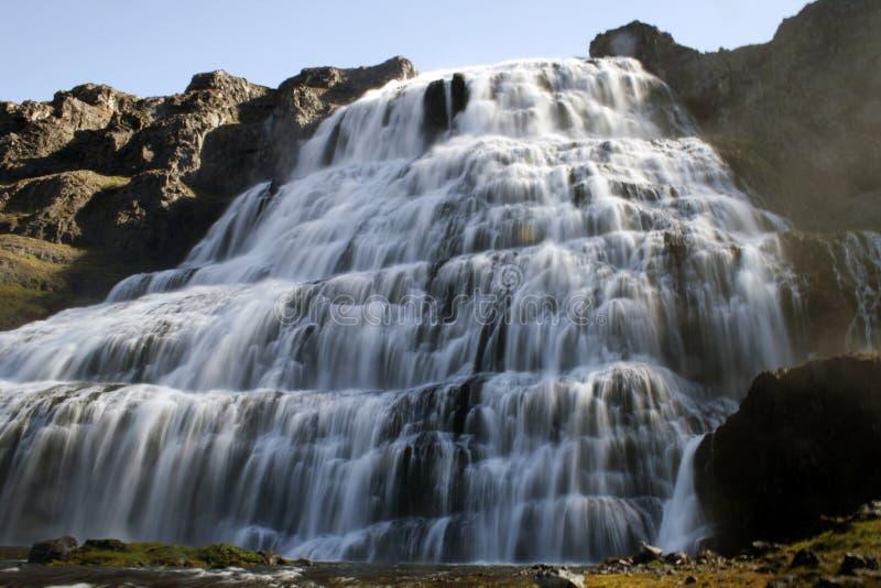 Cascade à écriture ligne par ligne de Dynjandi en Islande photo libre de droits