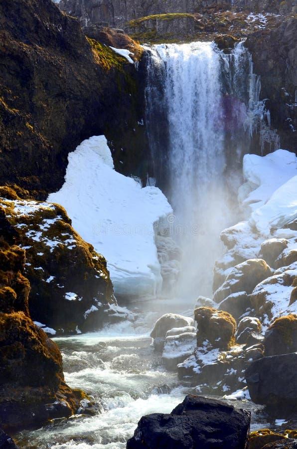 Cascade à écriture ligne par ligne de Dynjandi, Islande photo stock