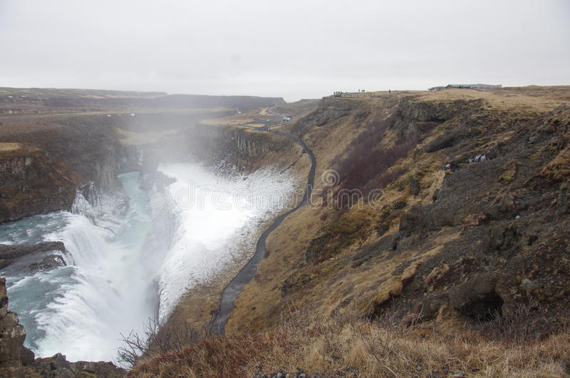 Cascade à écriture ligne par ligne de Gullfoss en Islande photographie stock