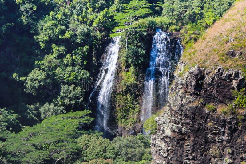 Cascade à écriture ligne par ligne hawaïenne images stock