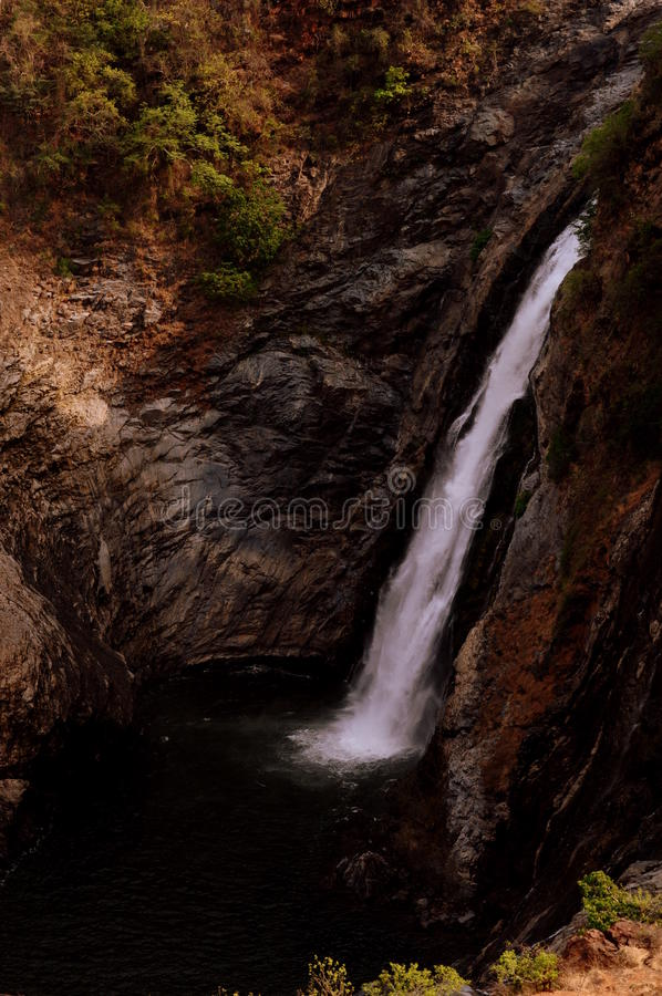 Download Cascade image stock. Image du paysage, nature, waterfall - 45350317