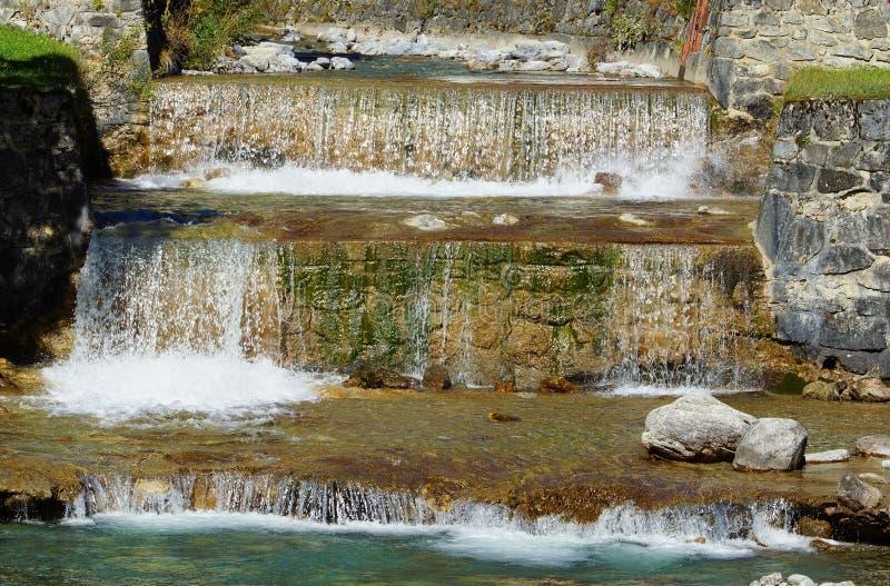 Download Cascade photo stock. Image du écumeux, boire, minerai - 56476632