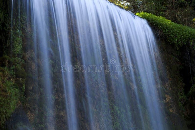 Cascade au monasterio de Piedra en Espagne images stock