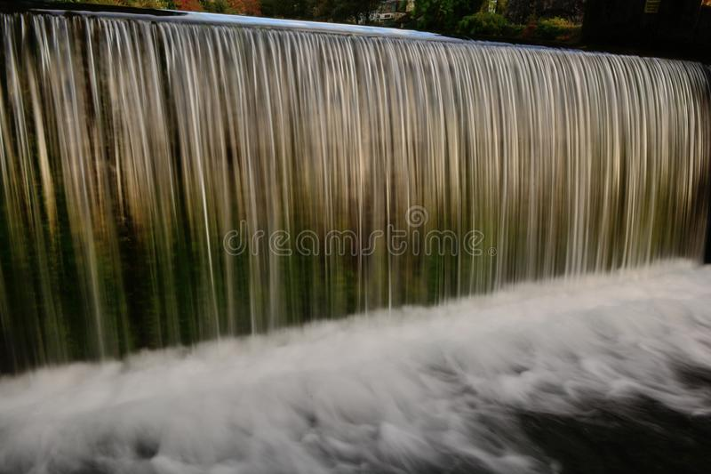 Cascade au moulin en gorge de cheddar photo stock