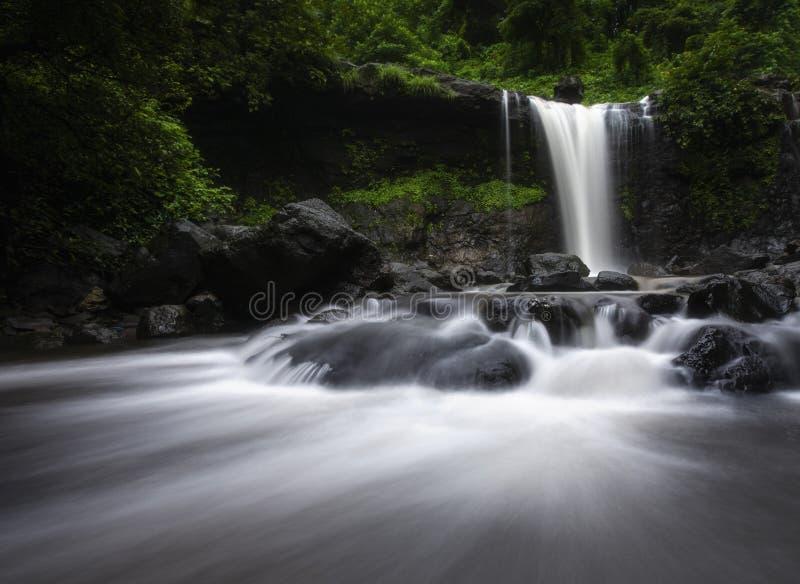 Cascade célèbre de Palasdari près de Mumbai, maharashtra, Inde image libre de droits