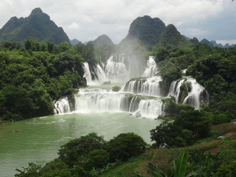 Cascade Chine de Detian photo libre de droits