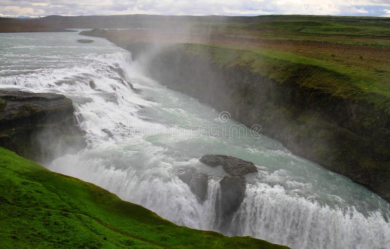 Cascade ? ?criture ligne par ligne de Gullfoss, Islande photos stock