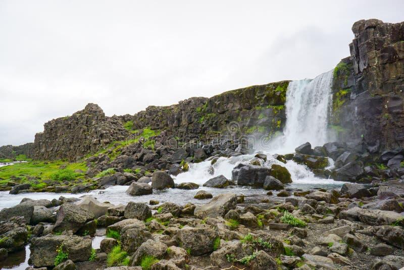 Cascade d'Oxararfoss en parc national de Thingvellir photographie stock