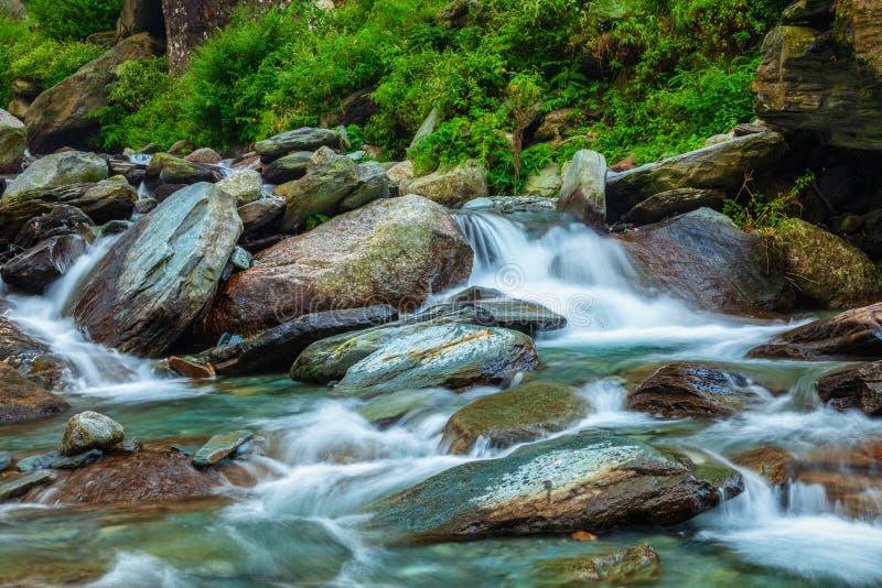 Cascade de Bhagsu Bhagsu, Himachal Pradesh, Inde images libres de droits