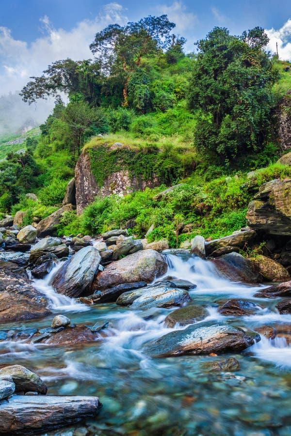 Cascade de Bhagsu Bhagsu, Himachal Pradesh, Inde photo stock