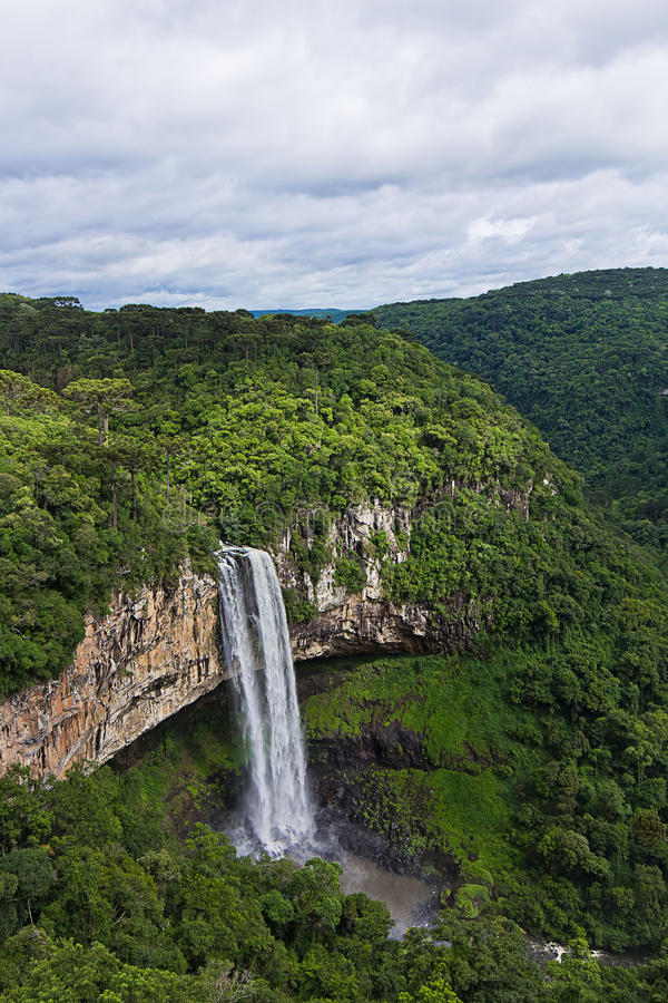 Cascade de Caracol - ville de Canela, Rio Grande faites Sul - le Brésil photo stock