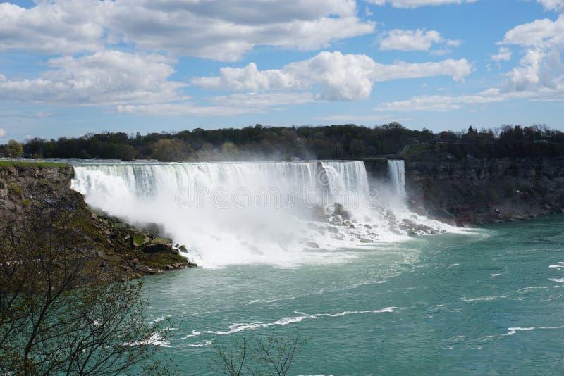 Cascade de chutes du Niagara photos stock