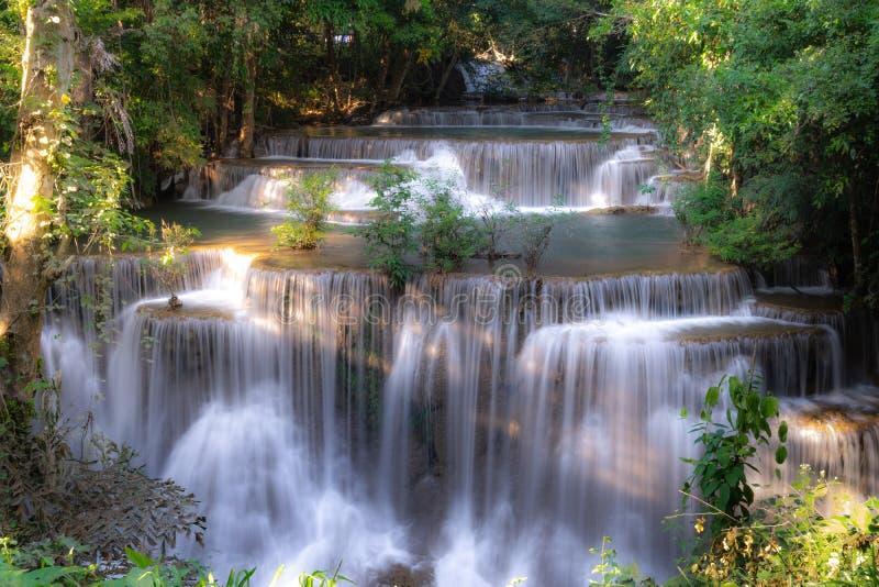 Cascade de Huay Mae Kamin dans Kanjanaburi, Thaïlande photos libres de droits
