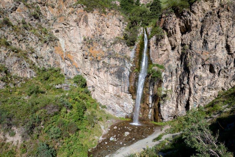 Cascade de Kegety près de Bichkek, Kirghizistan images libres de droits