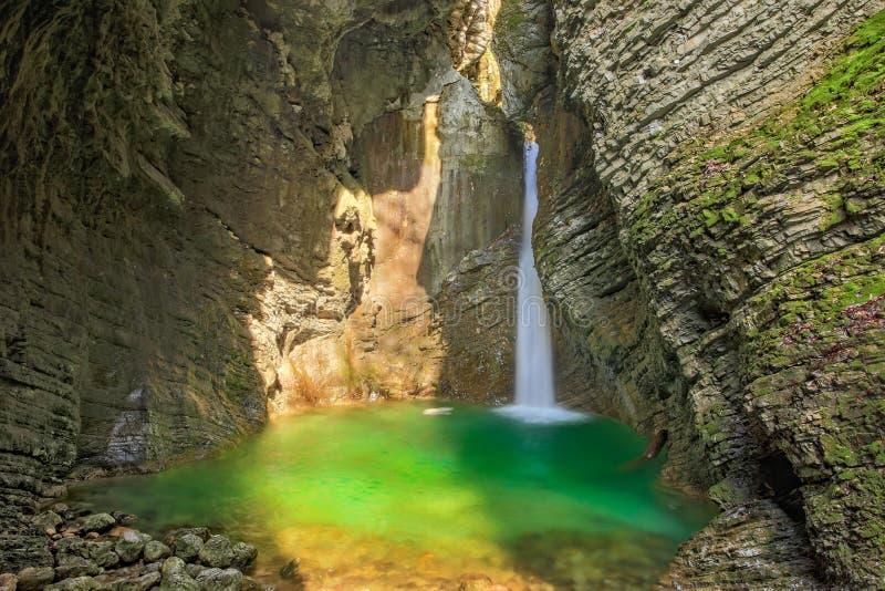 Cascade de Kozjak, parc national de Triglav, Slovénie image stock