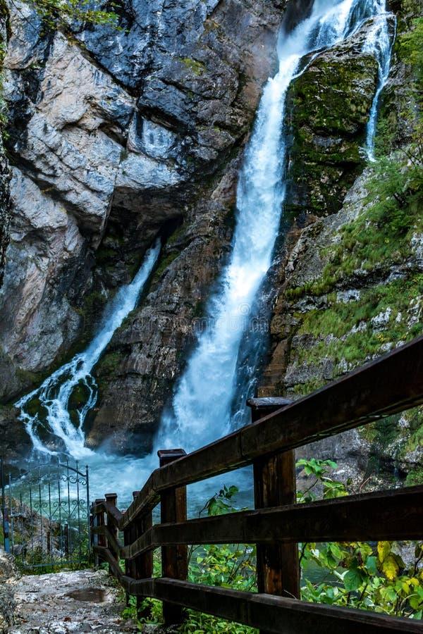 Cascade de Plavica en Slovénie photos libres de droits