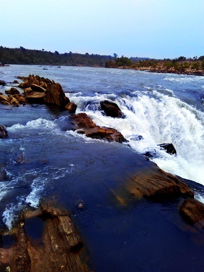 Cascade de rivière de Narmada, Inde de Jabalpur photographie stock libre de droits