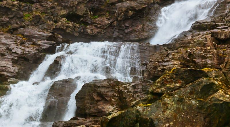Cascade de Stigfossen près de chemin du ` s de Troll - Norvège photographie stock libre de droits