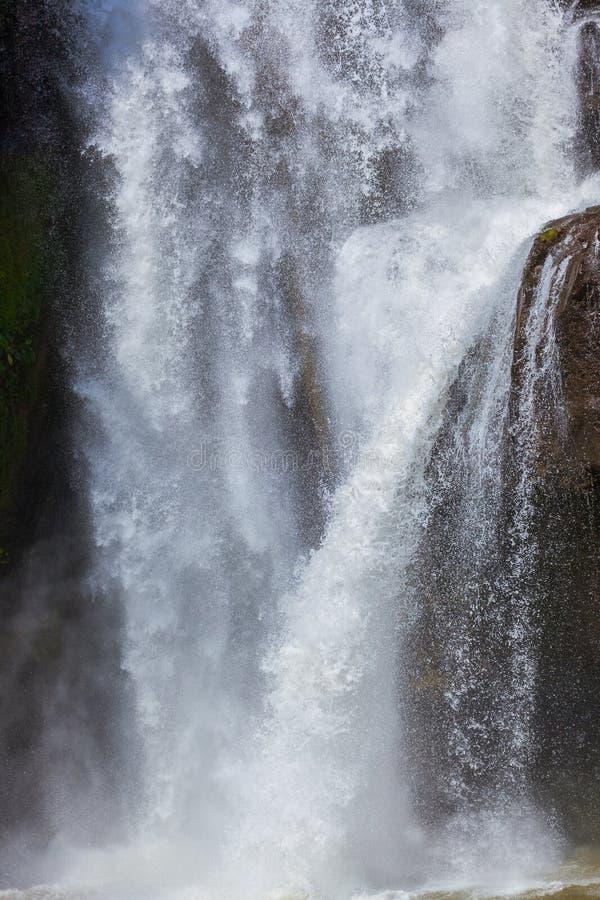 Cascade de Tegenungan - île Indonésie de Bali photos stock