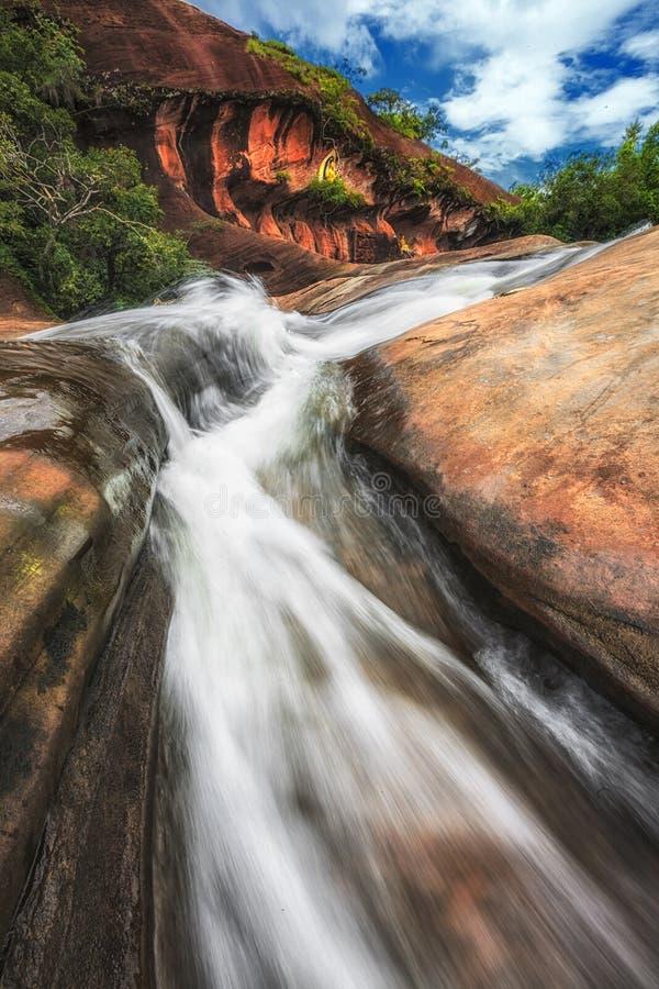 Cascade de Tham Phra dans la province de Bueng Kan photographie stock libre de droits
