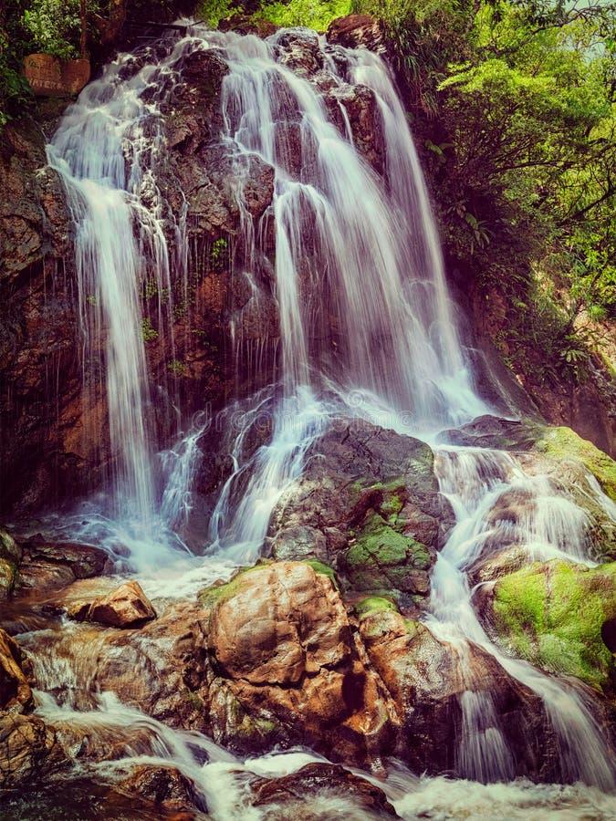 Cascade de Tien Sa au Vietnam images libres de droits