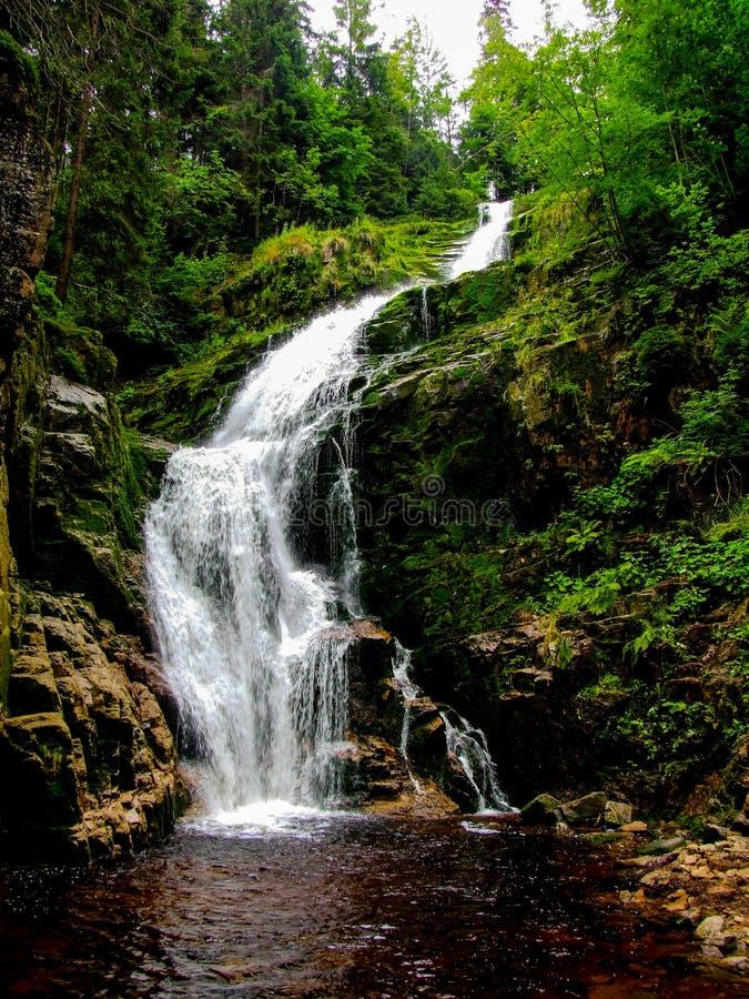 """Cascade du ` s de czyk de """"de KamieÅ située dans la Pologne, en montagnes de Sudetes photographie stock"""