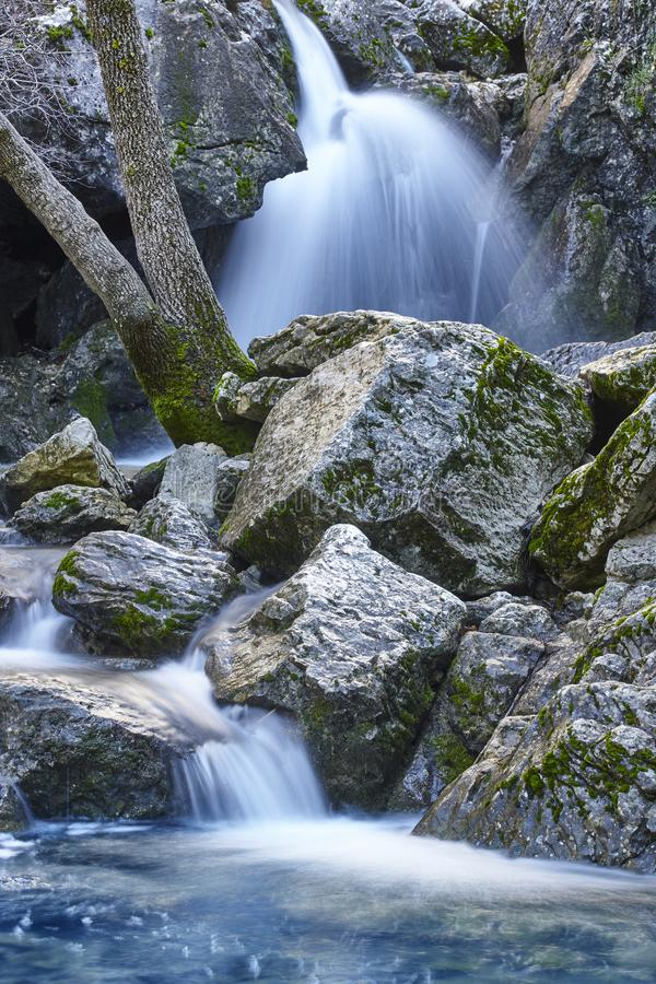 Cascade en Espagne Source de rivi?re du Guadalquivir dans Andalousie photographie stock
