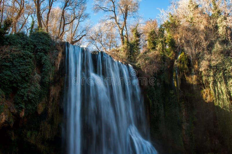 Cascade en parc naturel de Monasterio de Piedra photographie stock
