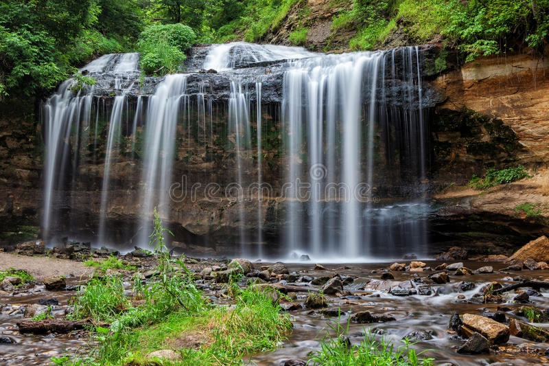 Download Cascade Falls stock image. Image of forest, formation - 32311141