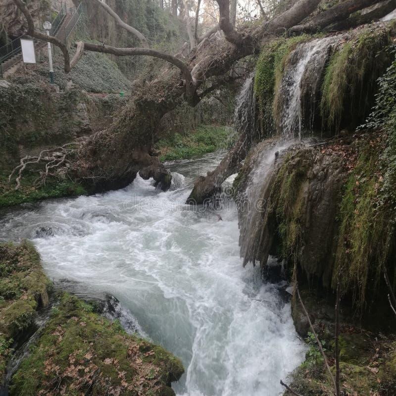 Cascade naturelle Antalya chez la dinde images stock
