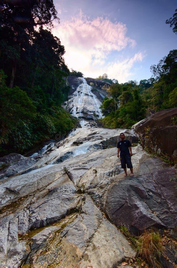 Cascade naturelle au parc d'état de Gunung Stong Kelantan Malaisie photo libre de droits