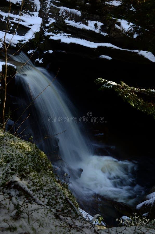 Cascade - une vue des automnes de Bruar dans Perthshire images stock