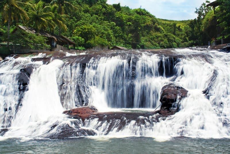 Cascades à écriture ligne par ligne de la Guam images stock
