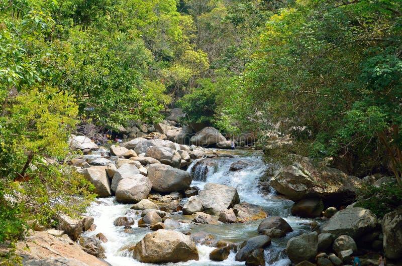 Cascades chez Sungai Kanching, Rawang, Selangor, Malaisie photo libre de droits
