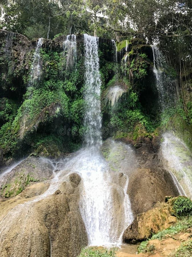 Cascades d'EL Nicho au Cuba photos libres de droits